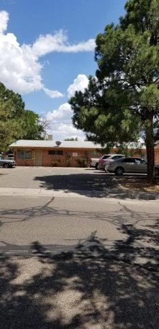 9416 Lexington Avenue NE, Albuquerque, NM 87112