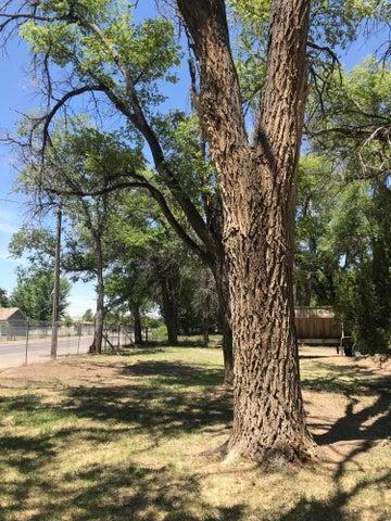 3105 Barcelona Road SW, Albuquerque, NM 87105