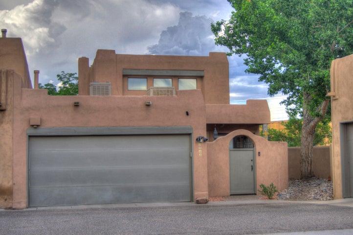 2403 N northwest Circle NW, Albuquerque, NM 87104