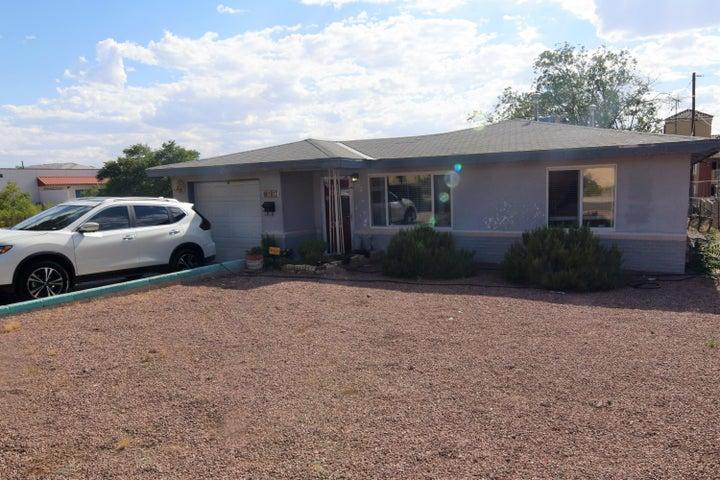 1817 Cornell Drive SE, Albuquerque, NM 87106