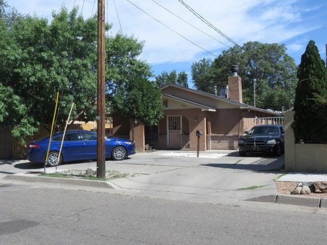 507 Cromwell Avenue SW, Albuquerque, NM 87102