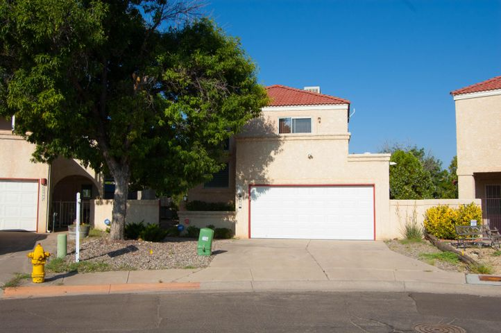 6941 El Cajon Court NW, Albuquerque, NM 87120