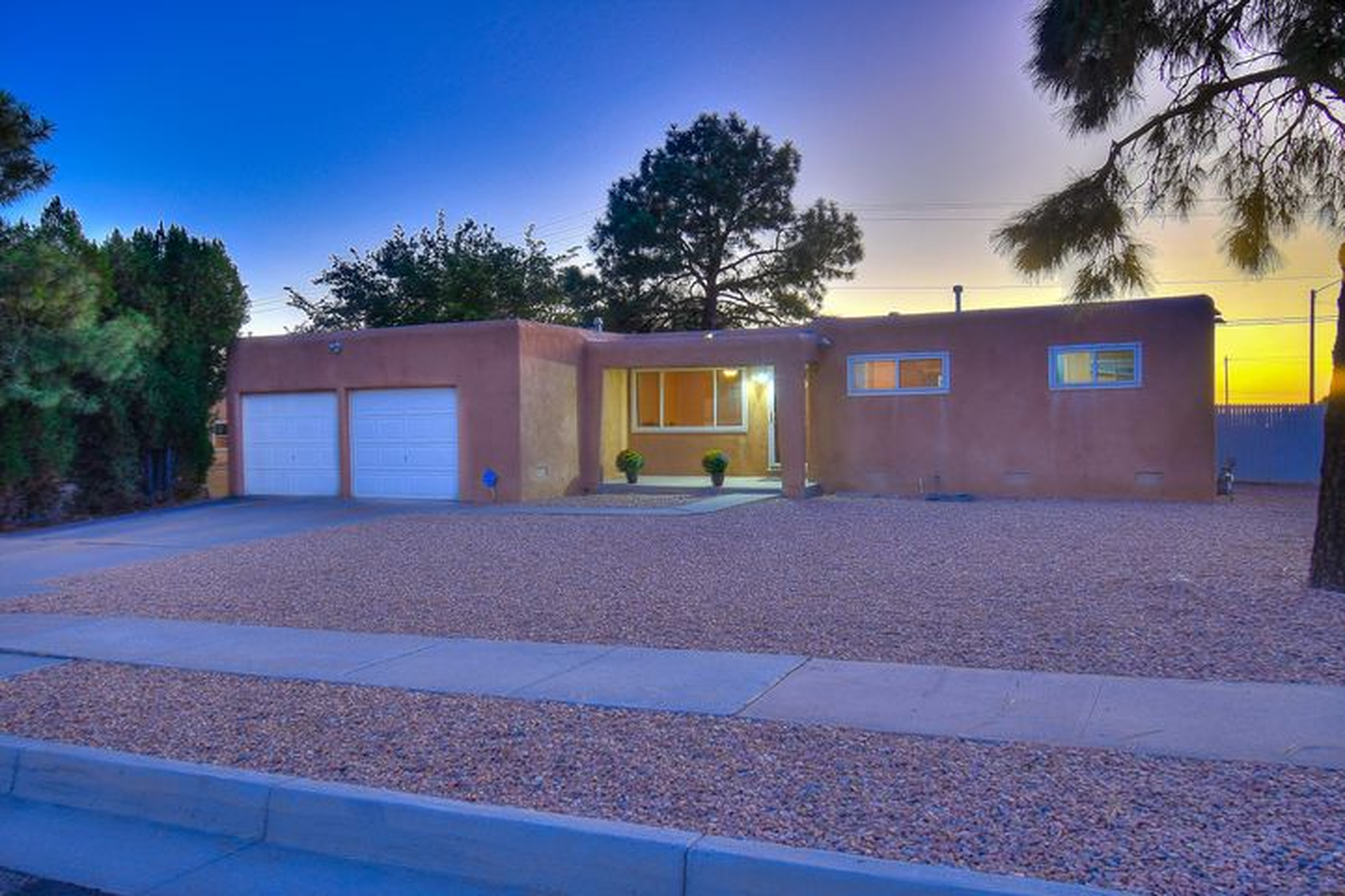 9925 Chapala Drive NE, Albuquerque, NM 87111