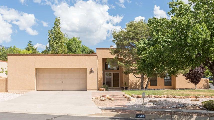 5800 Mahogany Place NE, Albuquerque, NM 87111