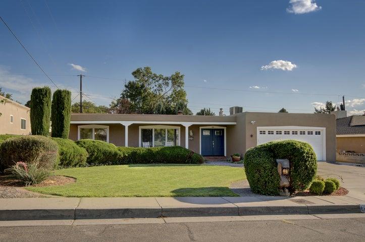 8912 Delamar Avenue NE, Albuquerque, NM 87111