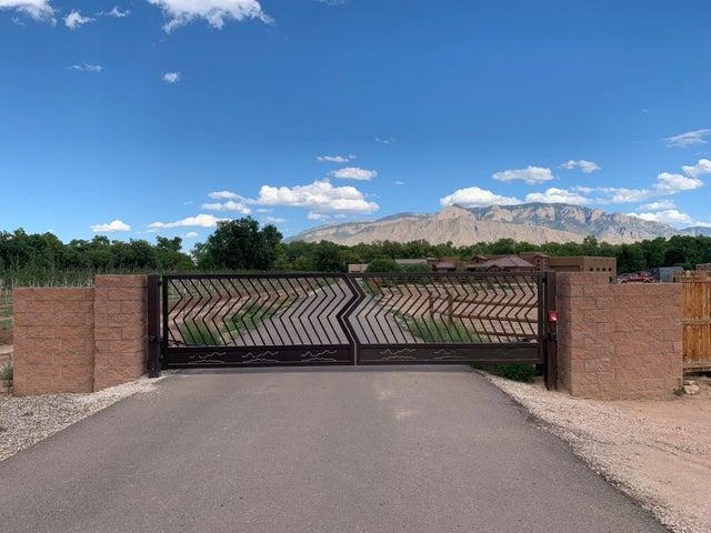 101 Lujo De Tres Road, Corrales, NM 87048