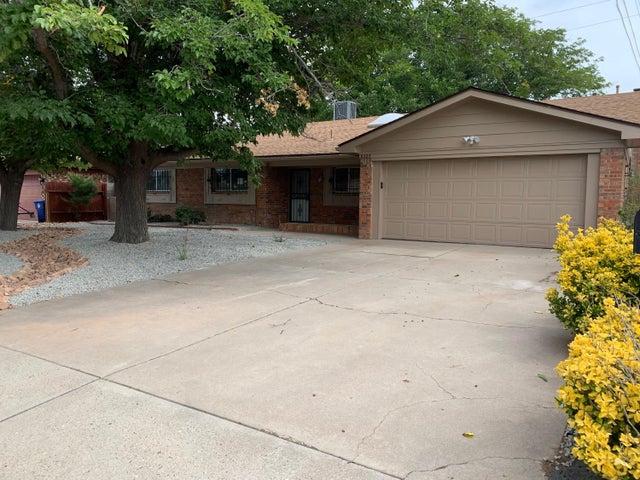 8305 PICKARD Avenue NE, Albuquerque, NM 87110