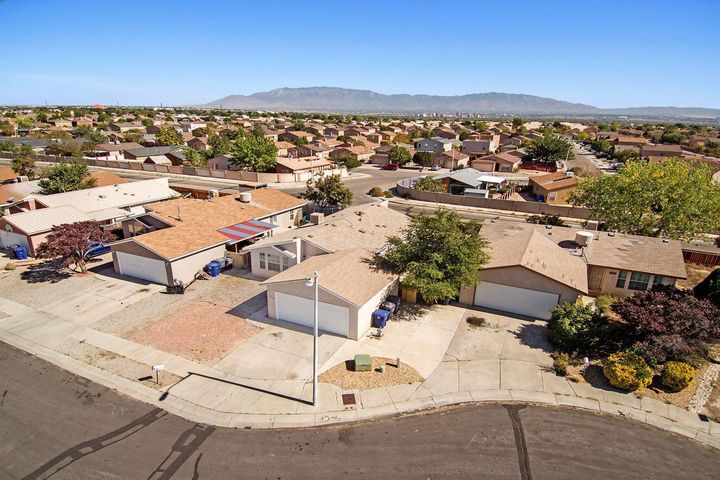 520 CARFAX Place SW, Albuquerque, NM 87121