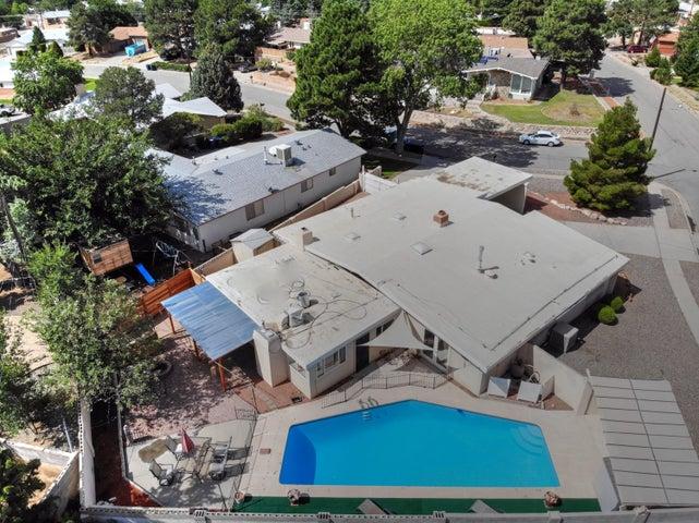 3722 Chapala Drive NE, Albuquerque, NM 87111
