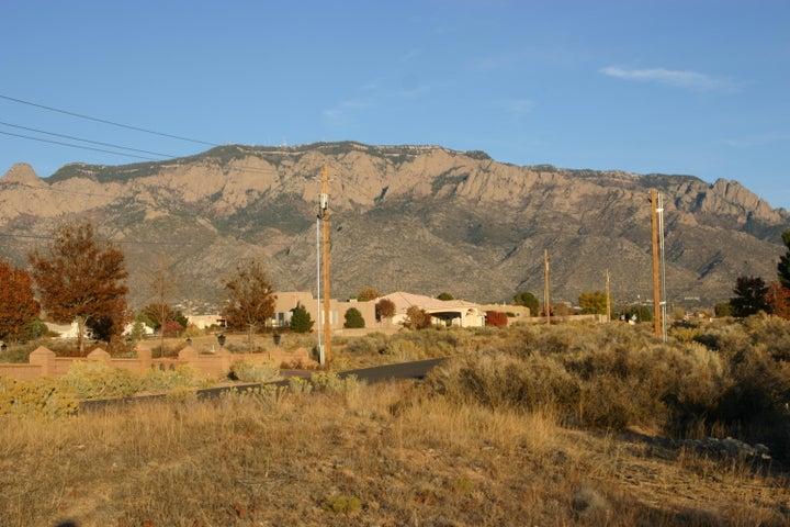 8720 GLENDALE Avenue NE, Albuquerque, NM 87122