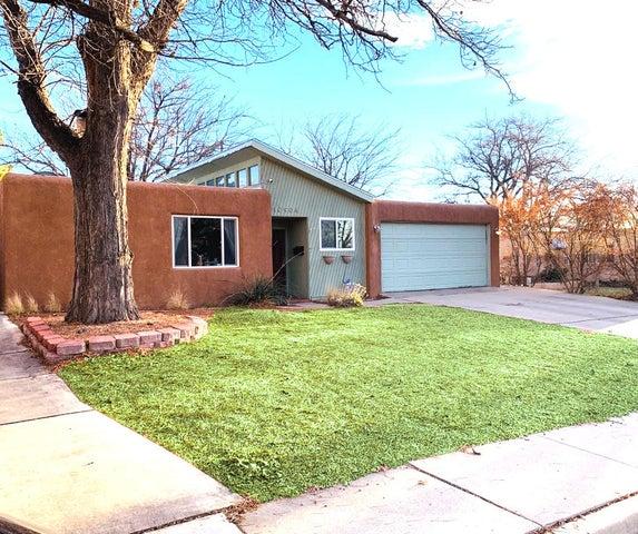 10904 CORDOVA Avenue NE, Albuquerque, NM 87112