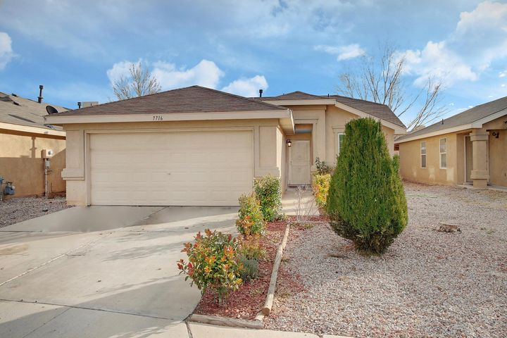 7716 CREPE MYRTLE Road SW, Albuquerque, NM 87121