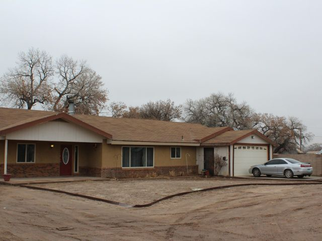 500 Mistletoe Avenue, Bosque Farms, NM 87068