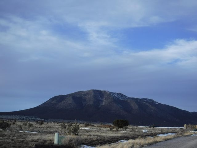 12 NORTHLAND MEADOWS Place, Edgewood, NM 87015