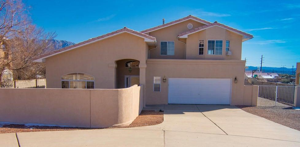 712 CHIHUAHUA Road NE, Rio Rancho, NM 87144