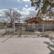 858 Dolly Avenue SW, Albuquerque, NM 87105