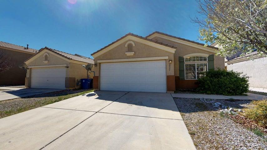 2825 PORTO Street SW, Albuquerque, NM 87121