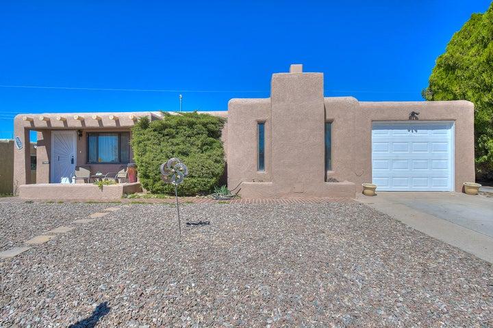 10705 Apache Avenue NE, Albuquerque, NM 87112