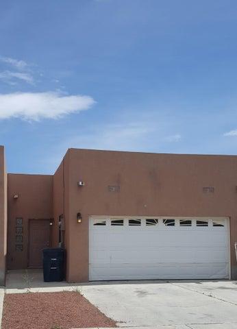 5211 VALLE VISTA Drive NW, Albuquerque, NM 87120