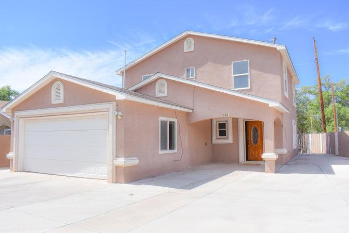 1801 LAKE Drive SW, Albuquerque, NM 87105