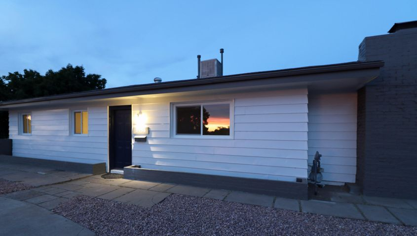 3136 Manzano Street NE, Albuquerque, NM 87110
