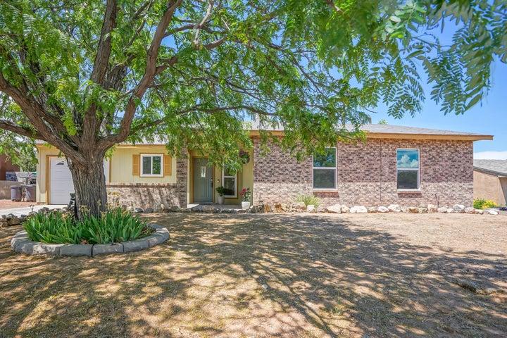 2245 GREEN LAKE Road NE, Rio Rancho, NM 87124