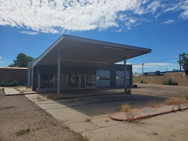 3910 4TH Street NW, Albuquerque, NM 87107