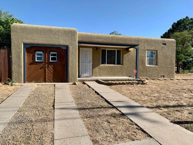 500 Val Verde Drive SE, Albuquerque, NM 87108