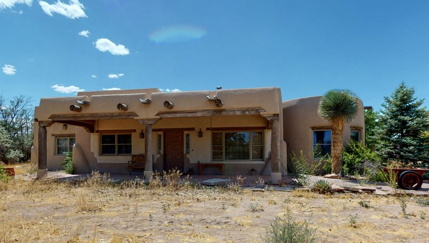 6401 PALACIO Drive SW, Albuquerque, NM 87105