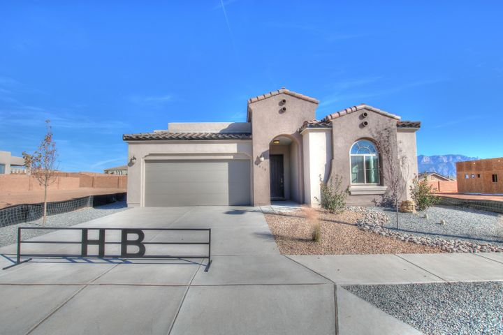 4218 Mountain Trail Loop NE, Rio Rancho, NM 87144