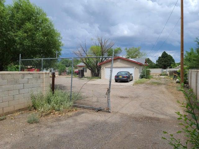 1244 ATRISCO Drive SW, Albuquerque, NM 87105