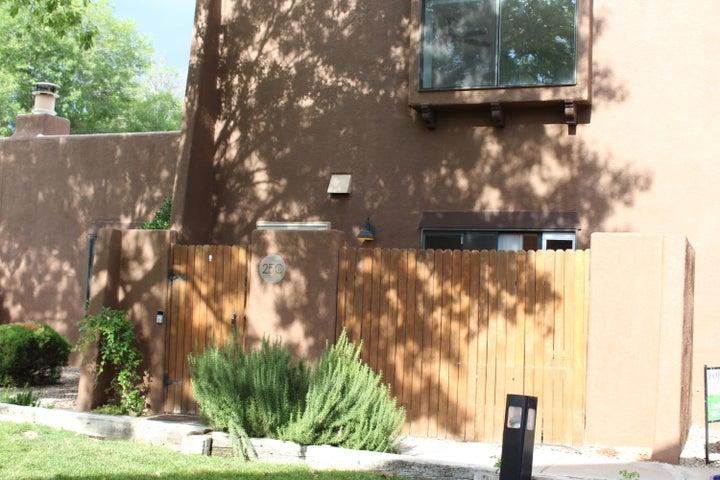 5801 LOWELL Street NE, 25C, Albuquerque, NM 87111