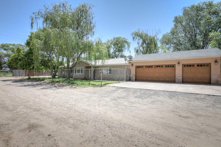 6302 Alvis Drive SW, Albuquerque, NM 87105