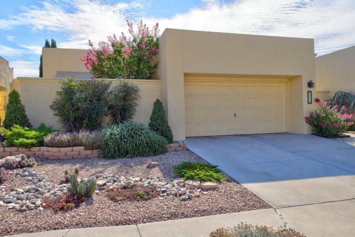 7920 Wood Leaf Drive NE, Albuquerque, NM 87109