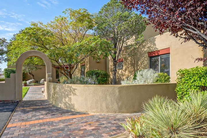 11600 SAN RAFAEL Avenue NE, Albuquerque, NM 87122