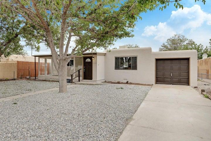 1033 DAKOTA Street SE, Albuquerque, NM 87108