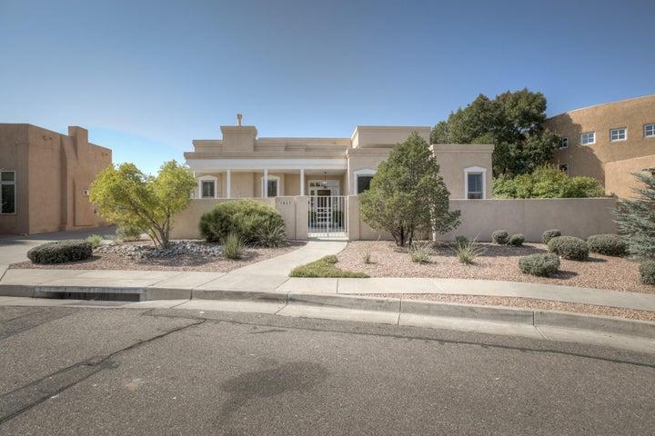 1823 AVENIDA ALTURAS NE, Albuquerque, NM 87110
