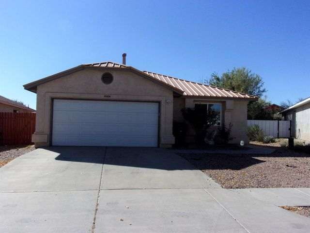 10424 ONGAIS Avenue SW, Albuquerque, NM 87121
