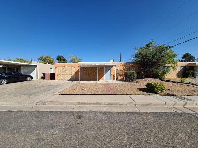 2334 VALENCIA Drive NE, Albuquerque, NM 87110