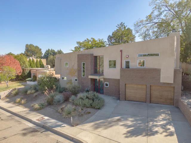 2612 VISTA LARGA Avenue NE, Albuquerque, NM 87106