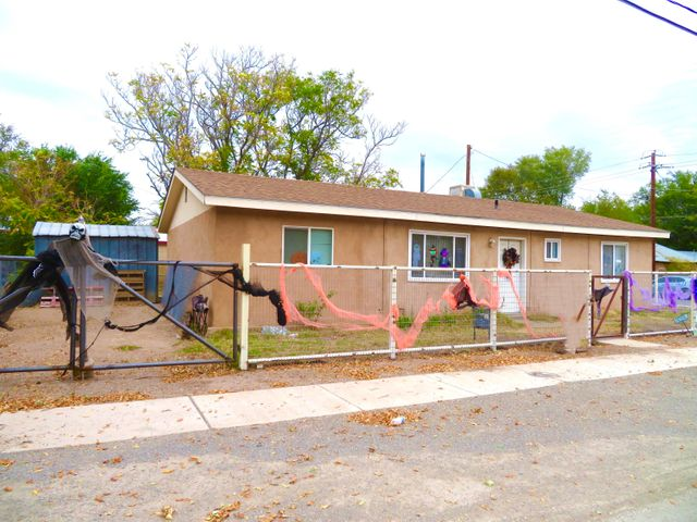 202 BERNARD Avenue, Belen, NM 87002