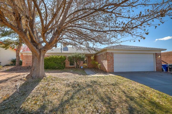4005 GLEN CANYON Road NE, Albuquerque, NM 87111