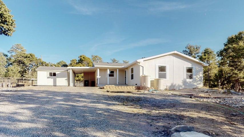 13 RAMPART Road, Tijeras, NM 87059