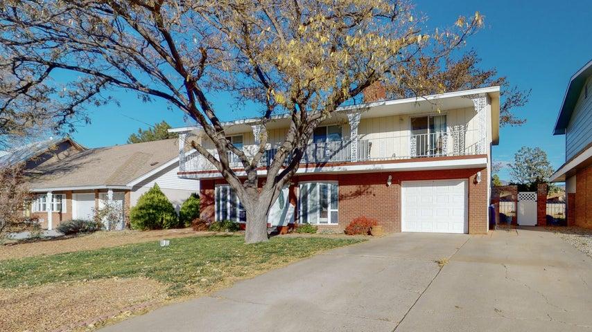 1620 MOON Street NE, Albuquerque, NM 87112