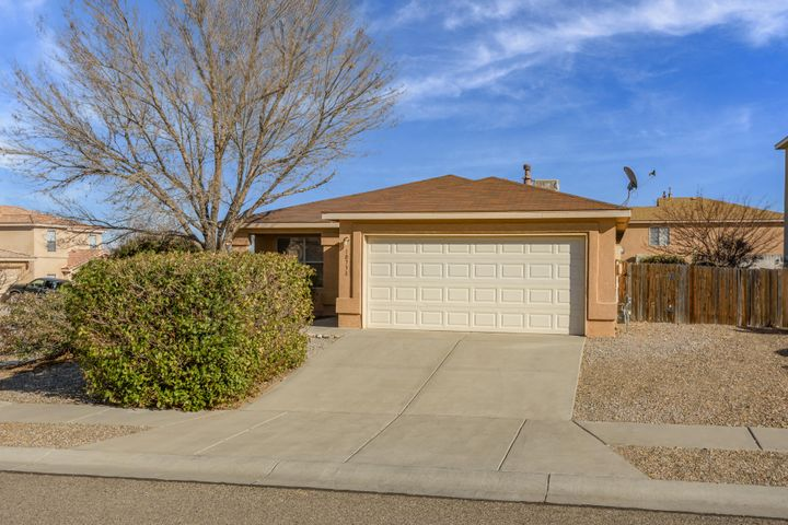 10738 STONE HEDGE Court NW, Albuquerque, NM 87114