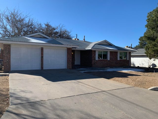 9804 PITT Place NE, Albuquerque, NM 87111