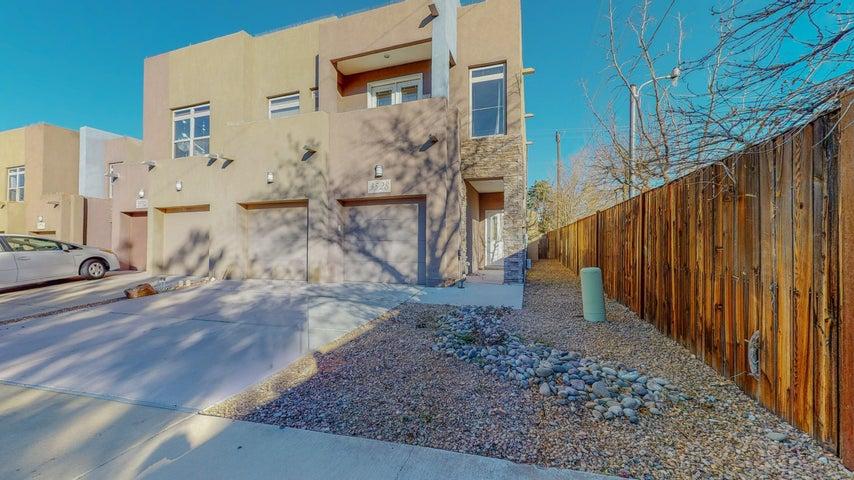 3528 AGUA SARCA Court NE, Albuquerque, NM 87111
