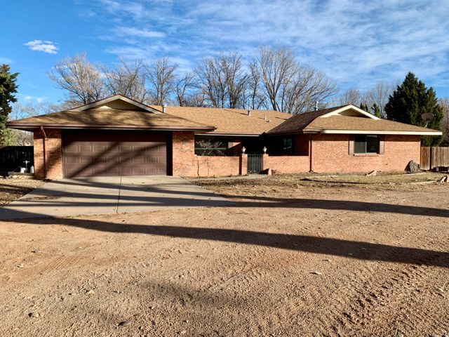 All brick veneer four bedroom. Abundance of living area. Oh the possibilities!!!