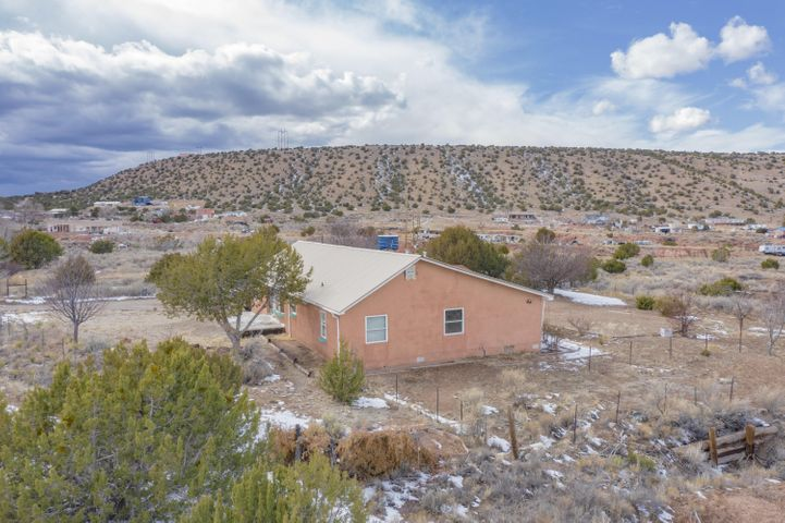42 CAMINO DE LOS PUEBLITOS, Placitas, NM 87043