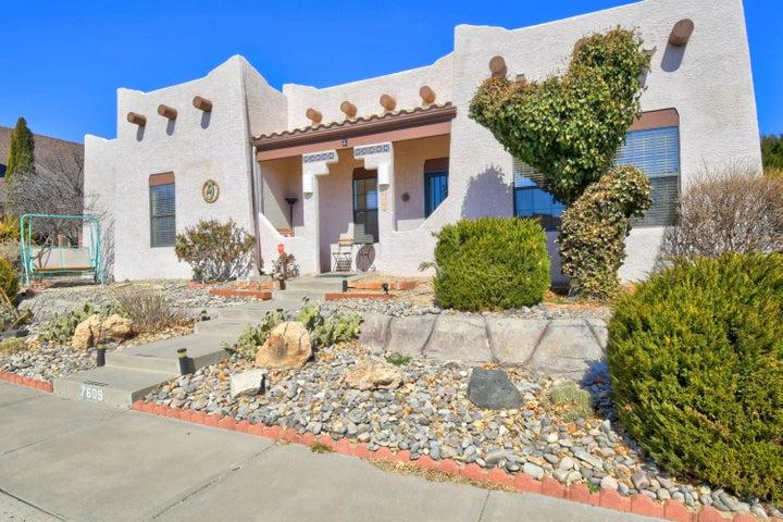 7609 LYNWOOD Drive NW, Albuquerque, NM 87120